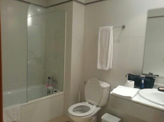 Apartamentos ELE Domocenter: bathroom