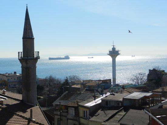 Dersaadet Hotel Istanbul: View from Room