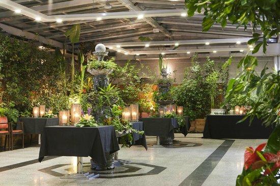 Restaurante Ajardinado Picture Of Vp Jardin Metropolitano Madrid