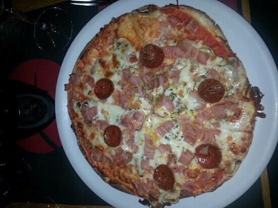 NIZA: Pizza pegna