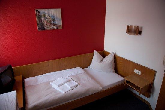 Hotel Boarding House Roedermark: schönes Einzelzimmer