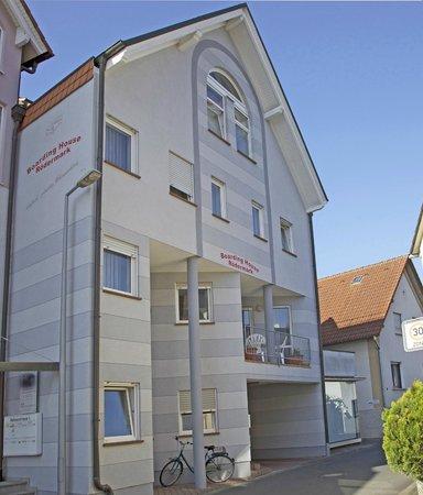 Hotel Boarding House Roedermark: Außenansicht