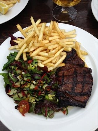 The Waterfront Cafe Bar: steak, fries & salad