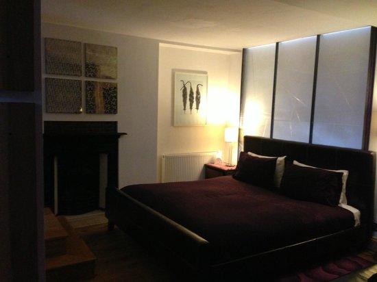 Hotel Una: Bed