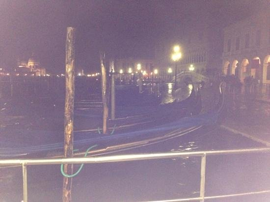 Hotel Villa Cipro : Venice in the rain
