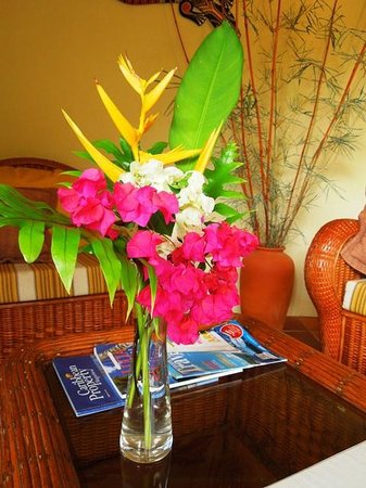Villa Pomme d'Amour: Fresh bamboo and flowers