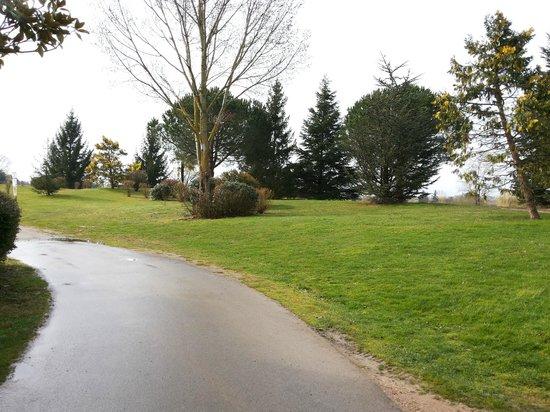 Mercure Toulouse Aeroport Golf de Seilh Hotel: golf course