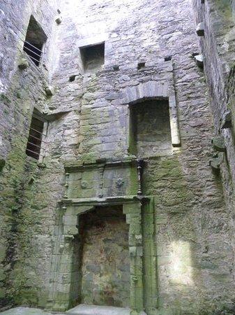 Carnasserie Castle: Interior