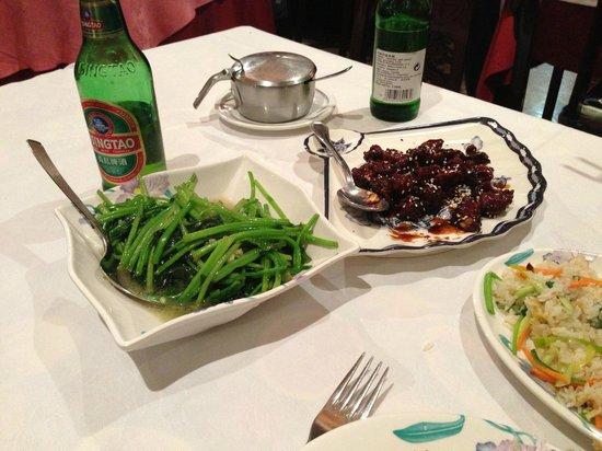 Son Hao : Sauted veggie and fried pork loin