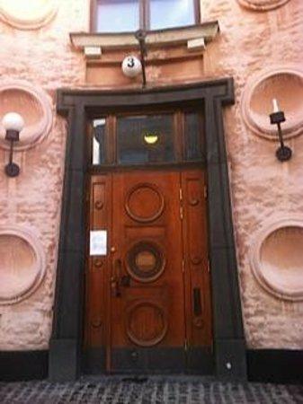 Taidehalli : The entrance