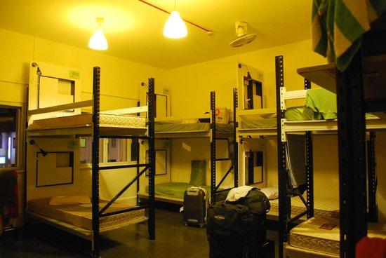 Gap Year Hostel : Budget / Sharing Room