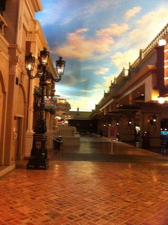 Ameristar Casino Kansas City: Area around casino