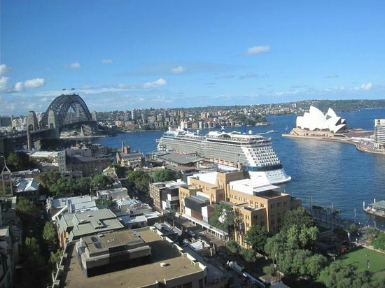 Four Seasons Hotel Sydney: View from Room 2410