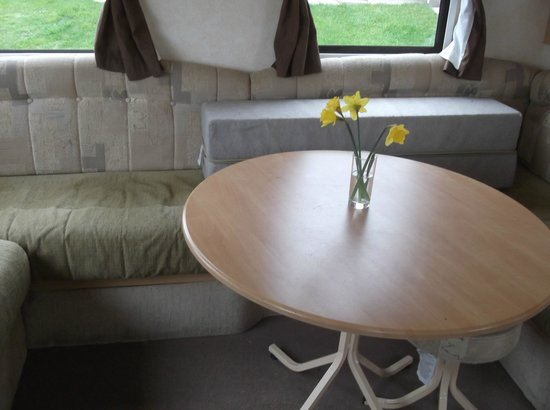 Seaview Holiday Park - Haven: lounge/dining area