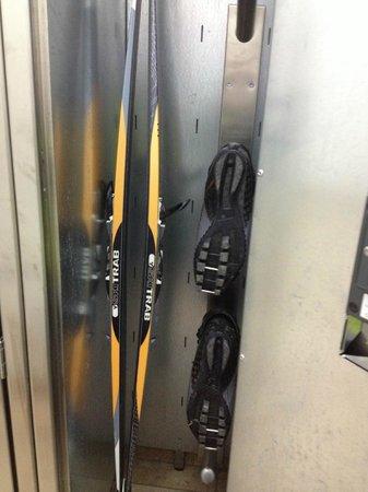 Hotel Nevada: locale deposito sci e scarponi riscaldati