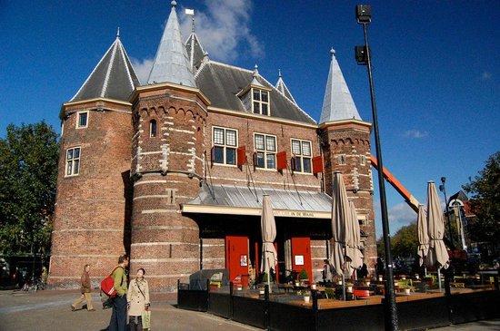 misc eatdrinksleep: Nieuwmarkt square