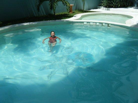Hotel Plaza Delphinus: In the delightful little pool