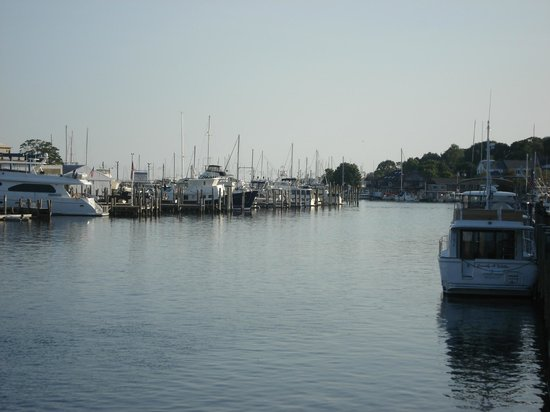 The Whaler's Inn: Mystic River, view near the drawbridge