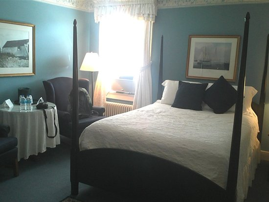 The Whaler's Inn: Our Queen Suite