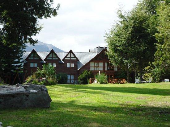 Hosteria Pichi Rincon: Parque y hosteria