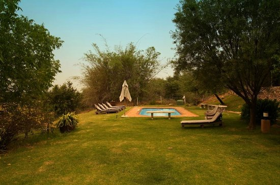 Thabile Lodge : Am Pool
