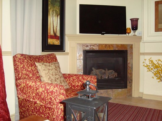 Cozy Suites Inn: enjoy a relaxing stay in your own full suite