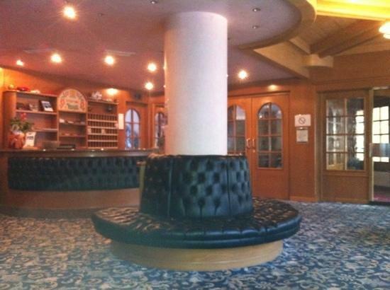 Sporting Hotel Ravelli: Reception hall