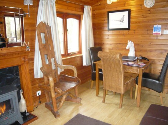 Cleveleymere The Lake House: Inside Cabin