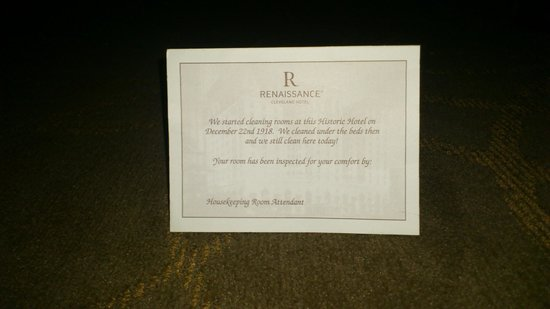 Renaissance Cleveland Hotel: Under the bed