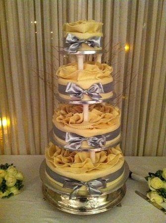 The Anglesey Arms: Winter Wedding