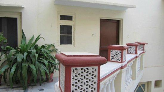Mandawa Haveli Jaipur: Zimmereingang
