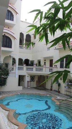 Mandawa Haveli Jaipur: Innenhof