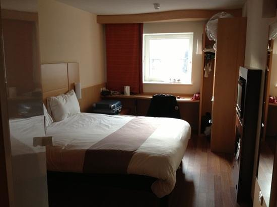 Ibis Aberdeen Centre: Room