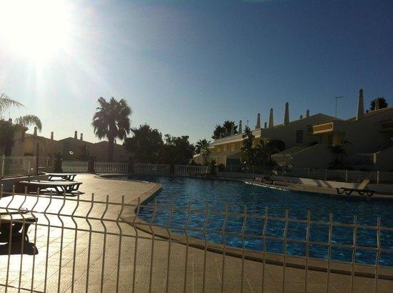 Ponta Grande Resort: Having a drink by the pool