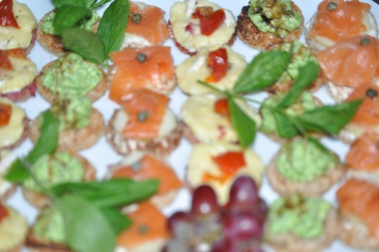 Riverview Restaurant: Canapes