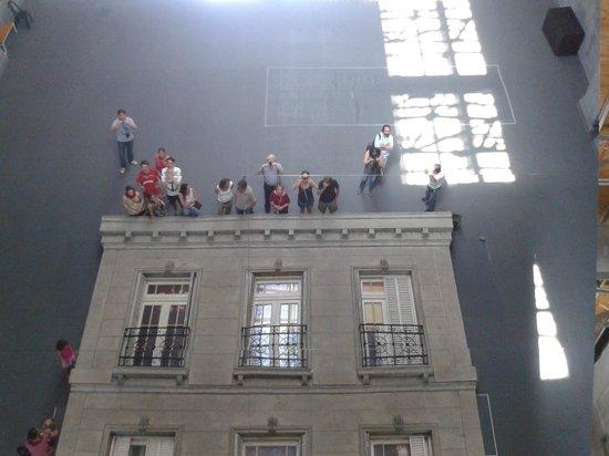 """Usina del Arte: instalación """"Edificio"""", del artista argentino Leandro Erlich"""