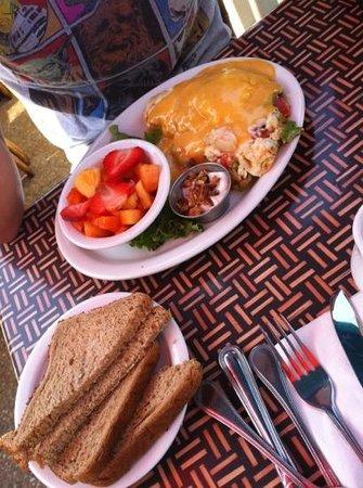 Canoe House: shrimp omelet