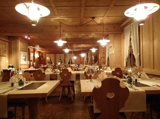 Hotel Ducan: Speisesaal