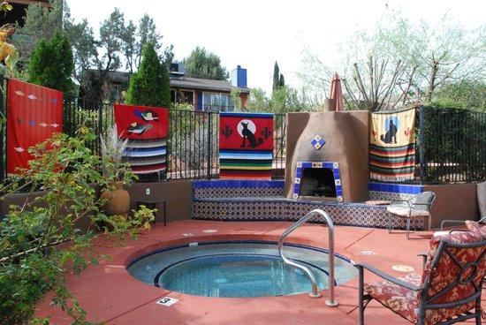 A Sunset Chateau: Hot Tub & Pool Area