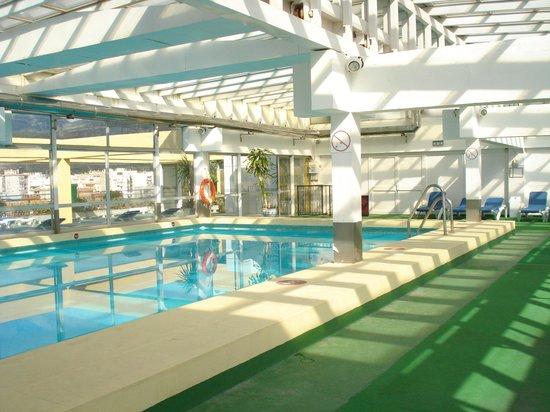 Gran Cervantes by Blue Sea: piscina climatizada