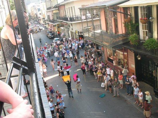 أومني رويال أورليانز هوتل: View from our balcony at Omni Royal Orleans