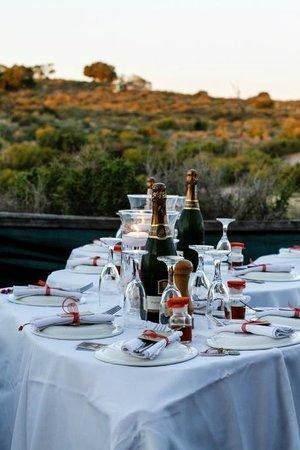Bosduifklip: A table for a wedding
