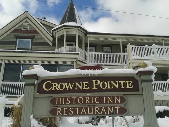 Crowne Pointe Historic Inn & Spa : So pretty after the spring snow!