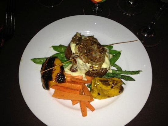 Volare Restaurant : Dinner feature, Beef tenderloin w/ smokey cheese sauce and no carbs (special request)