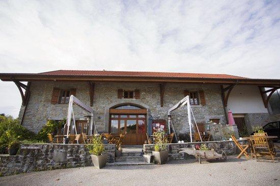 Restaurant Le bonheur dans le pre: La façade