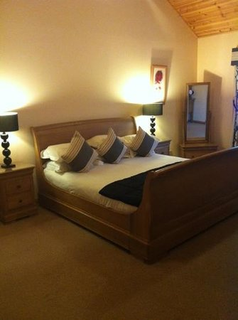 Piperdam Golf & Leisure Resort: Huge bed !