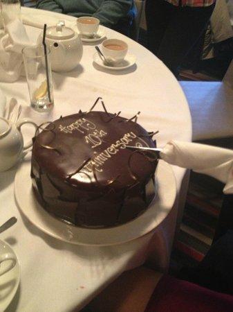 Jesmond Dene House: anniversary cake