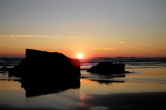 Treen Farm Campsite: Sunset at Bedruthan steps