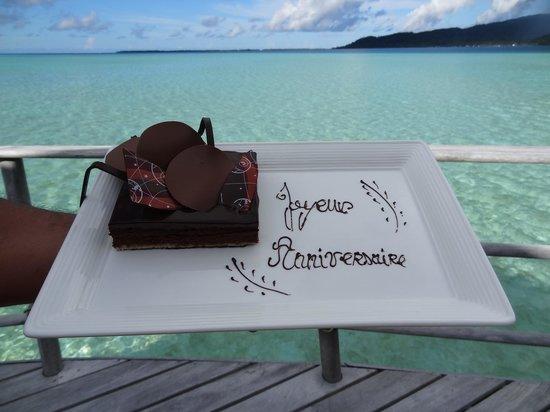 Le Taha'a Island Resort & Spa: Surprise d'anniversaire de mariage...miamiam