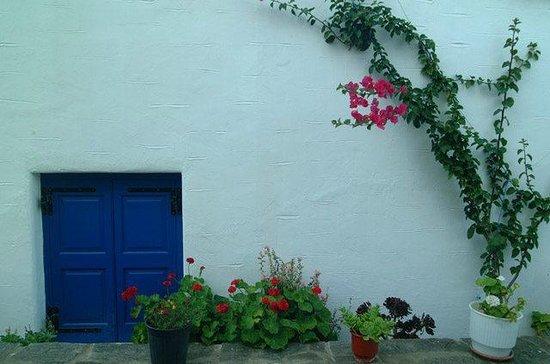 Votsalo Apartments: White and Blue